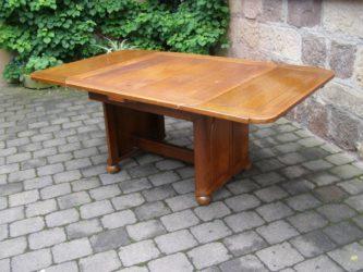 Antiker Esstisch zum ausziehen in Eiche