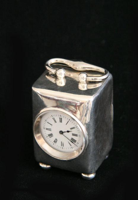 Silber Kutscheuhr