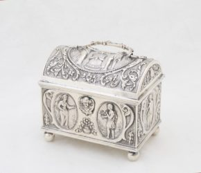 Schmucktruhe aus Silber