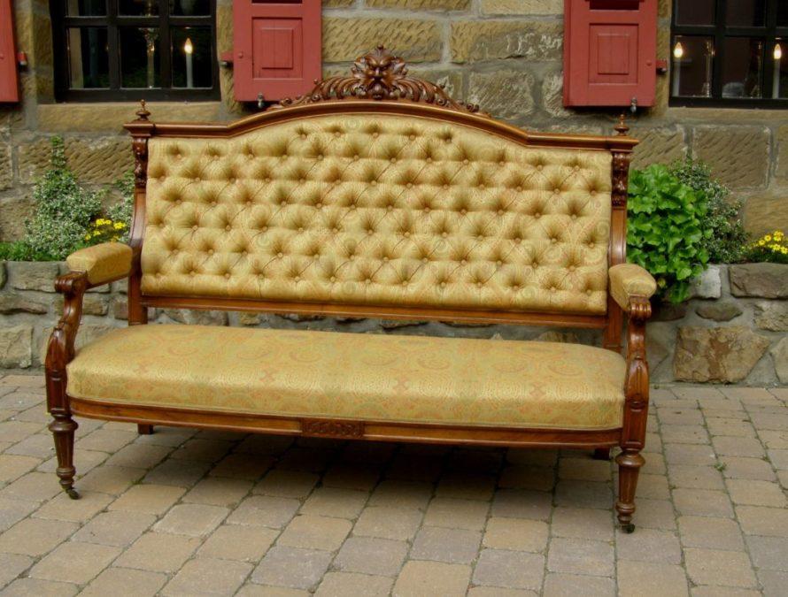 Historismus Sofa