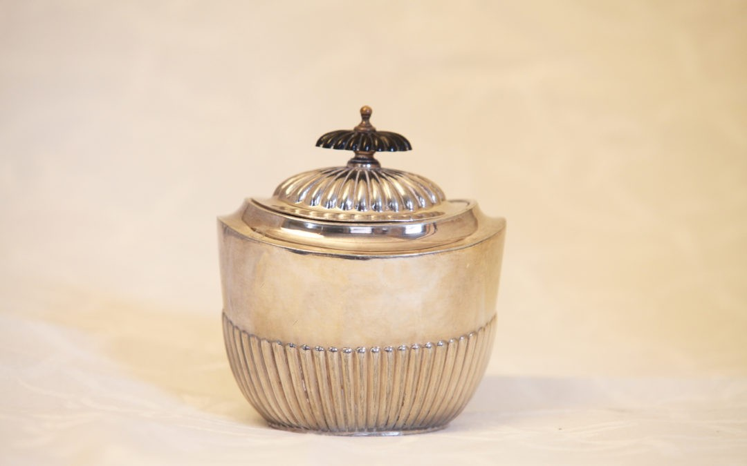 "Tea Caddy  ""Queen-Anne"""