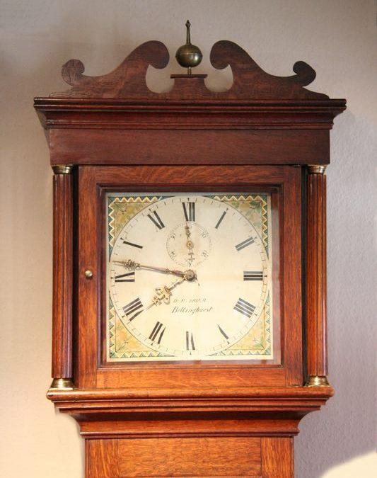Standuhr England um 1830 aus Eiche mit 30h Uhrwerk